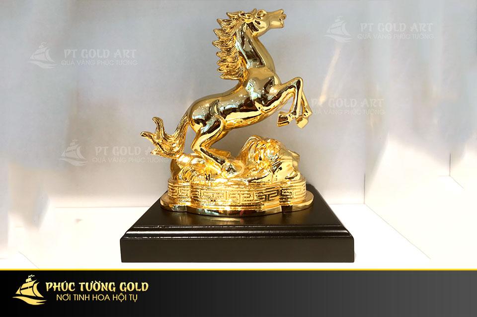 Ngựa vàng phong thủy quà tặng cho đối tác Nhật Bản